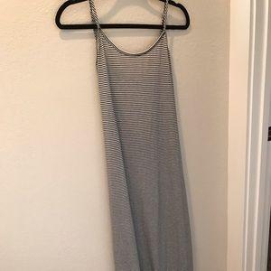 5/$25 🍍Boutique maxi dress